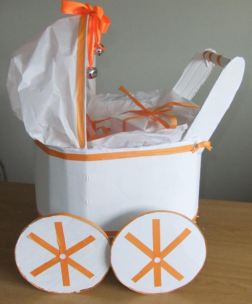 Baby stroller gift packaging for baby shower favours