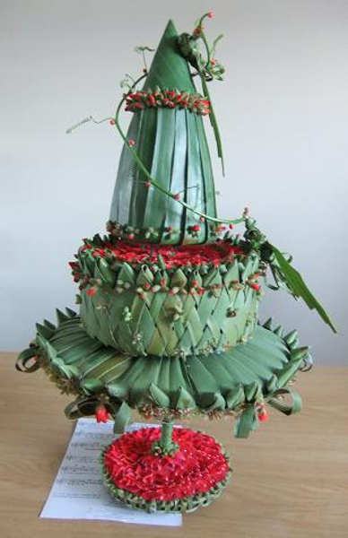 Flax Christmas tree cake made from plant material
