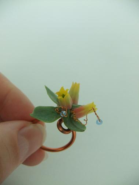 Long lasting succulent ring