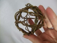 Weaving Willow spheres