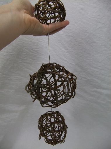 Test to see if the willow spheres hang straight