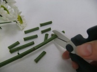 Chrysanthemum spongy stem spacers for a floral lariat necklace