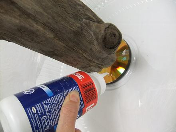 Pour out wood glue.