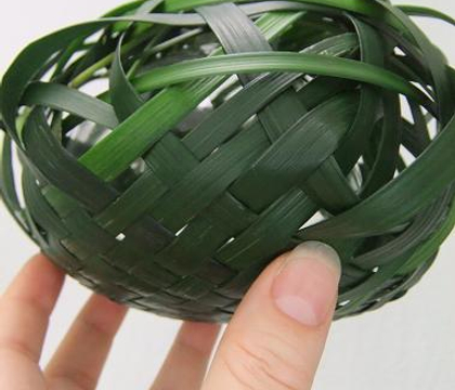 Grass shelter for a glass bubble vase
