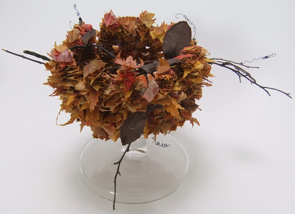 Spiked fall leaf armature