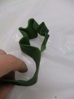 Zig-Zag leaf flower frog