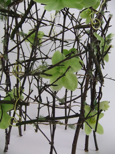 Free standing twig armature
