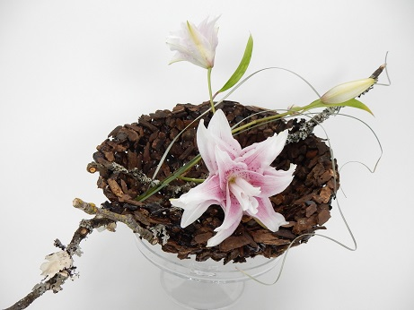 Bark Bowl Centrepiece with rose lilies