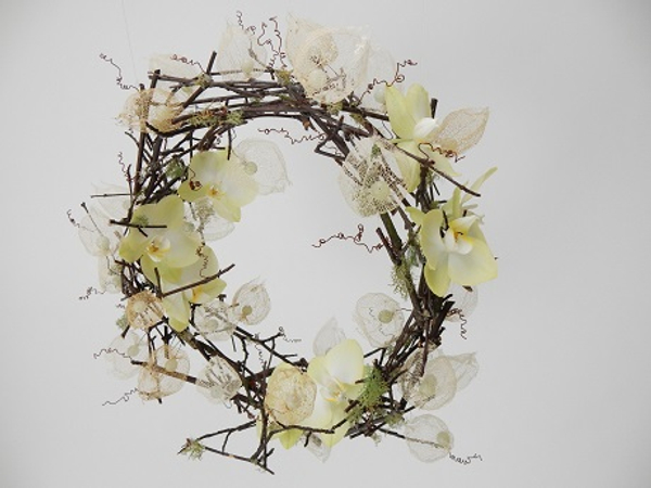 Glued twig wreath design