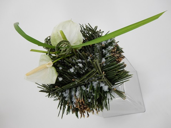 Pine needle Christmas gift cube