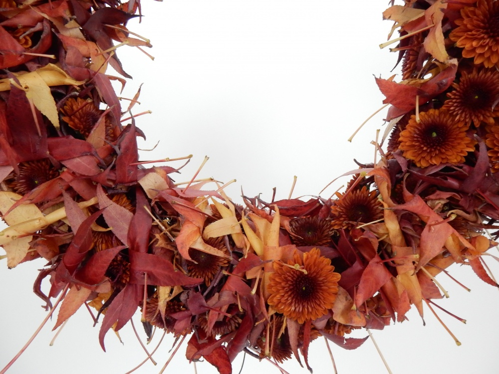 Chrysanthemum and fall leaf wreath