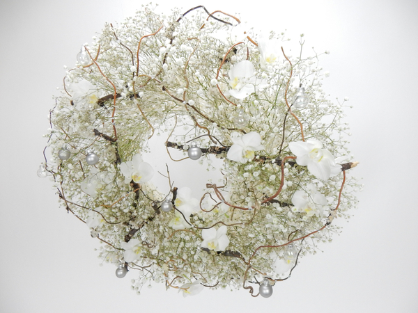 Gypsophila, Phalaenopsis, twigs and bauble wreath