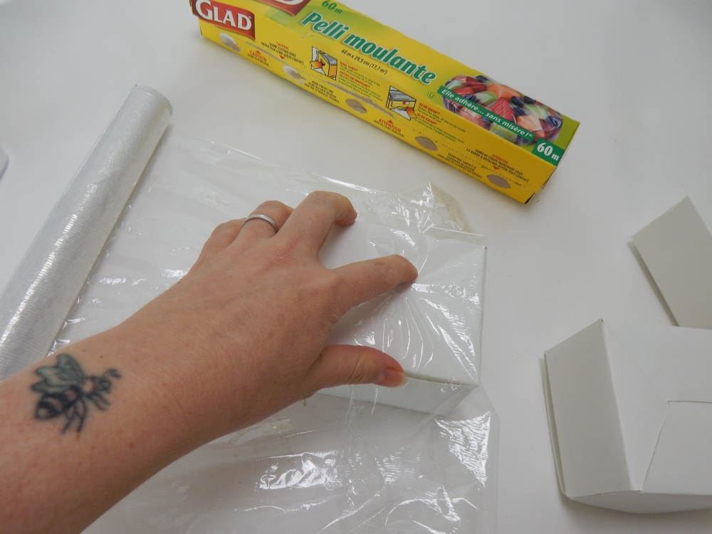 Cover the boxes with cling film 1000x750