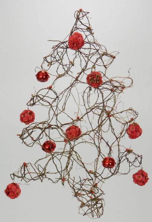 Twist a Kalanchoe and Ivy vine Christmas tree mobile