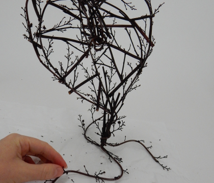 Free Standing Twig and Wire Heart Armature