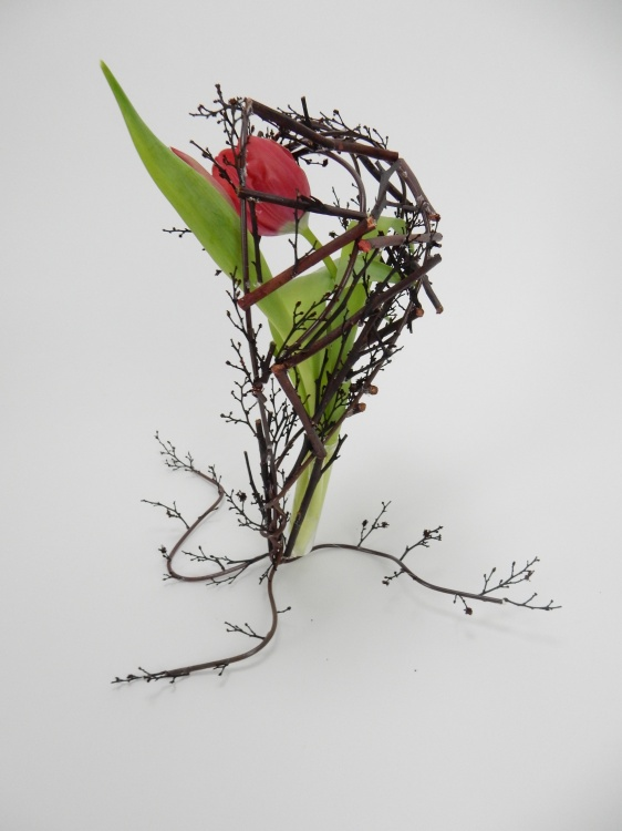 Free standing twig heart