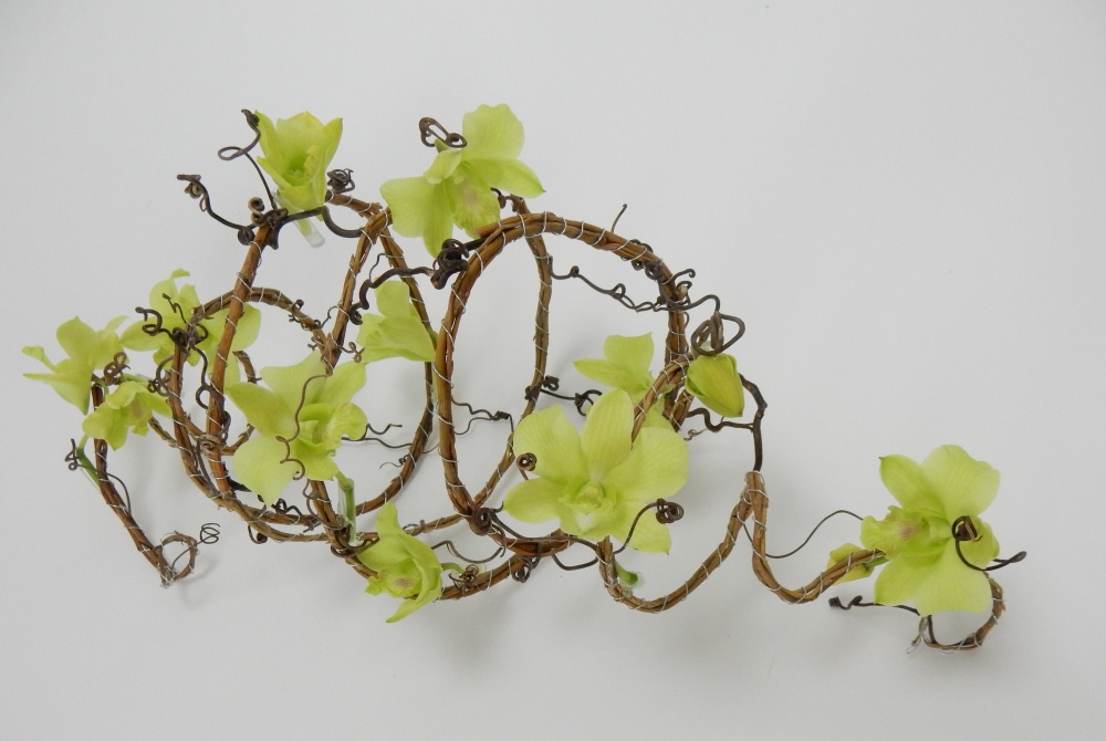 How to make an early Spring floral art design
