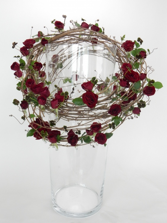 Ring-a-round floral art design