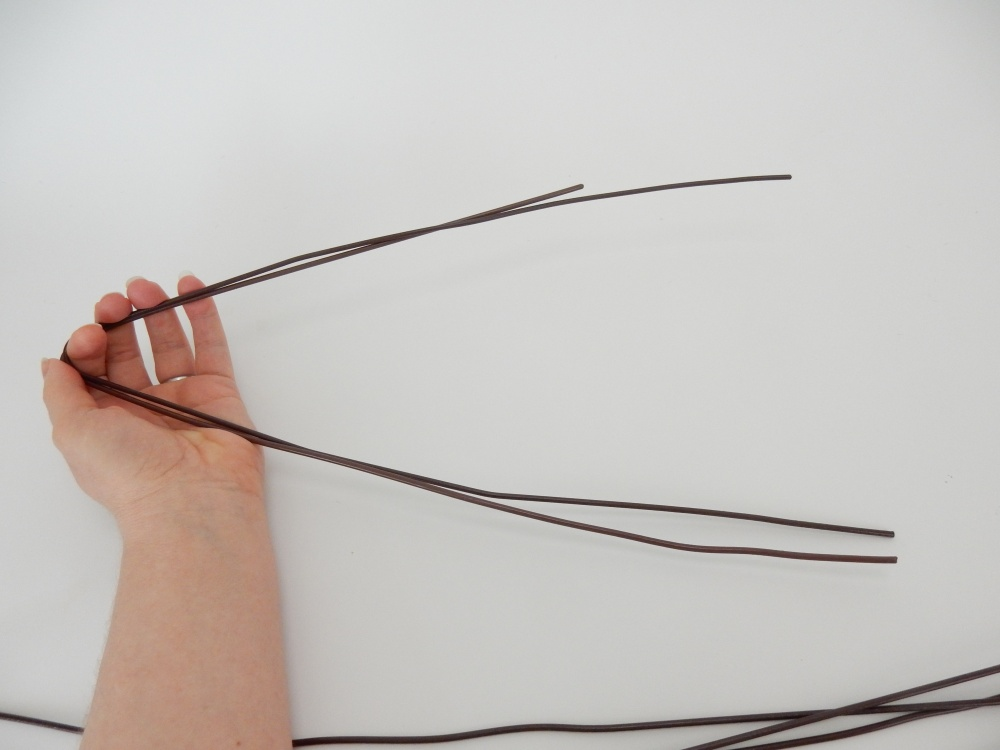 Use this first wire as a template so that the other wires follow the same angle