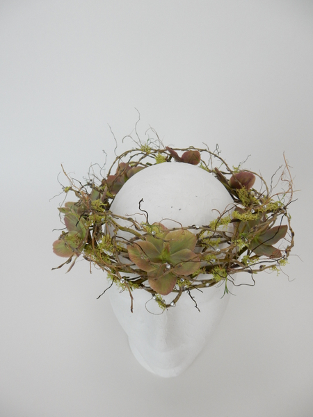 Hellebores, Reindeer moss and Willow crown