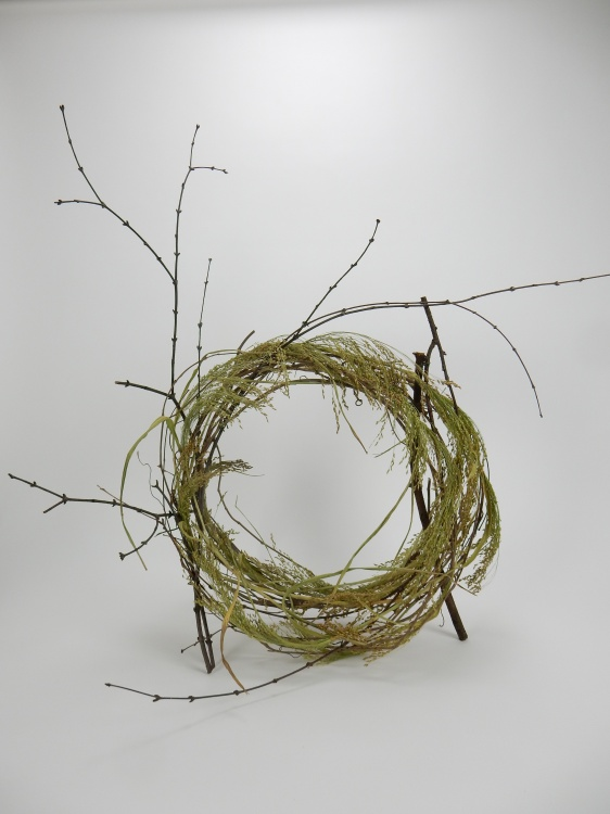 loosened up vine wreath ready to design with