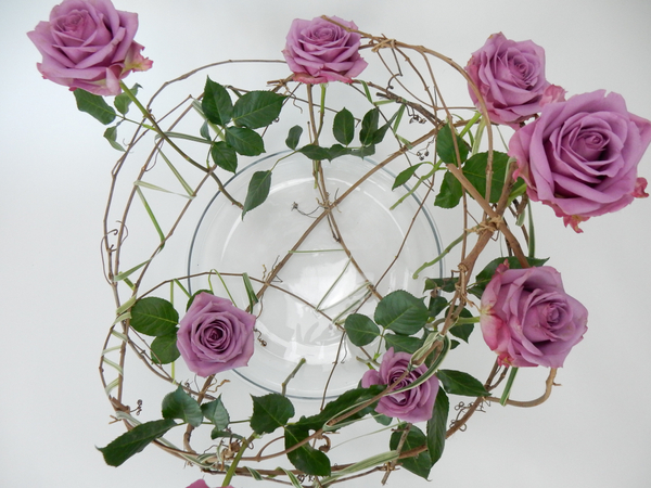 Standing roses upright in an armature
