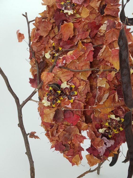 Fall leaf armature