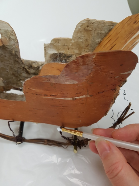 Paint all the exposed wire with wood glue