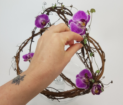 Craft a Spring basket from a wreath
