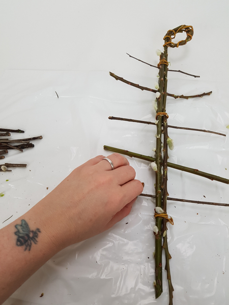 Move down the armature and add as many horizontal twigs as you require