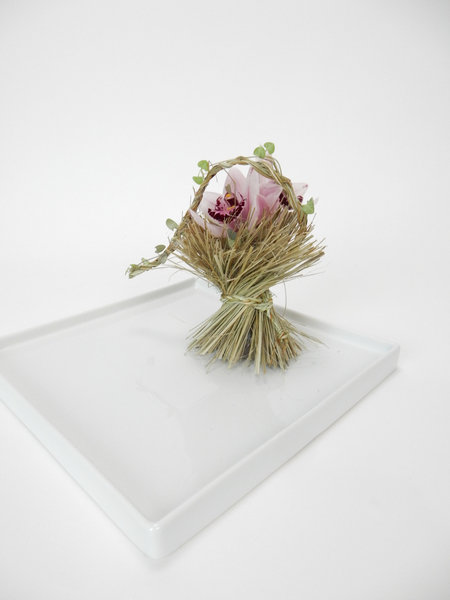 Ripped flax armature