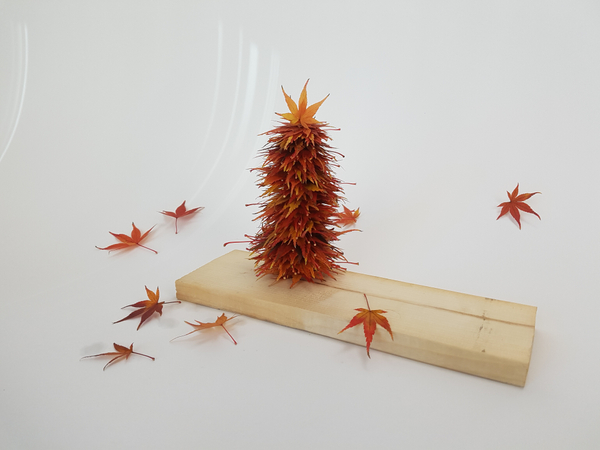 Easy to make Christmas tree from autumn leaves