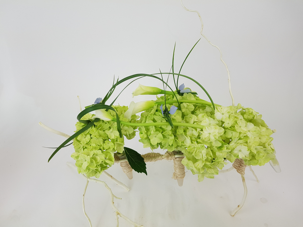 Floral art design armature
