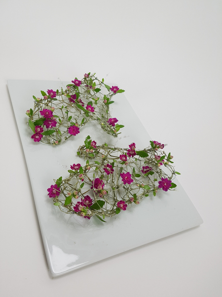 Kalanchoe and ripped grass flower design mittens
