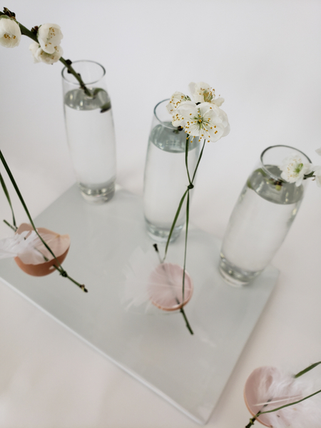 Minimal Spring flower arrangement