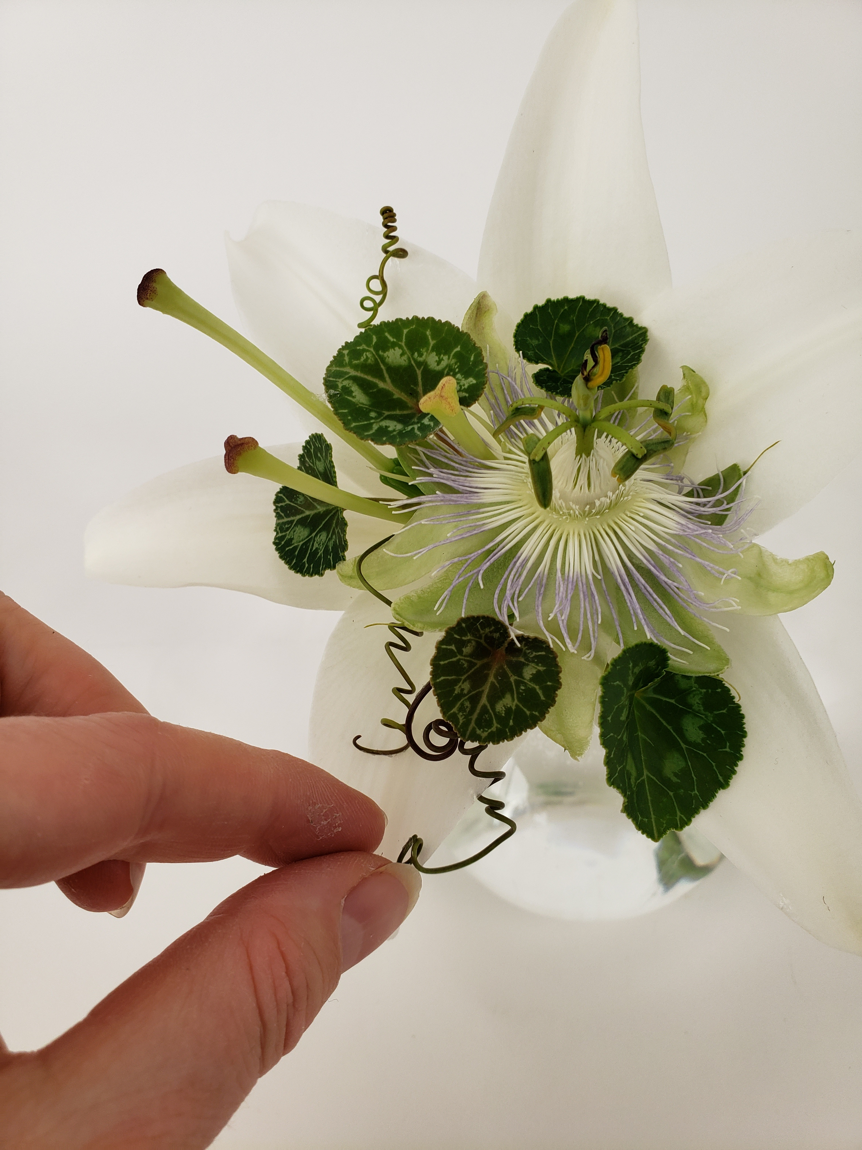 Fill a trumpet shaped flower cup with... more flowers!
