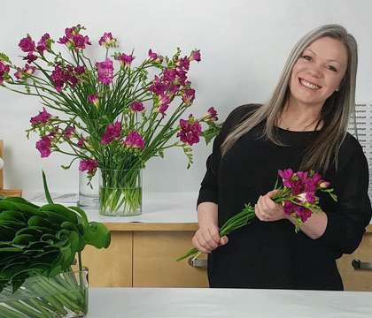 Freestyle Freesia design video for Flower Factor