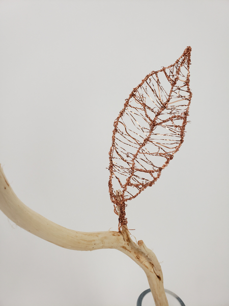 How to make a copper wire leaf for an fall flower arrangement