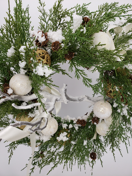 Important faux plant tips for designing Christmas decorations