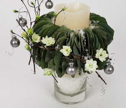 A Very Merry eucalyptus-collar-candle Christmas!