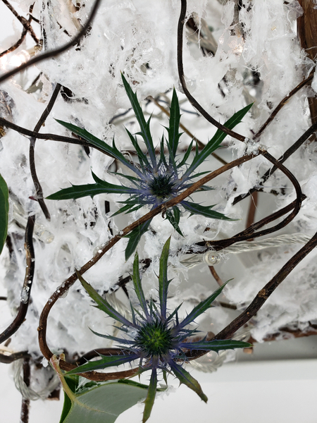 Eryngium snowflakes to naturally decorate a Christmas tree