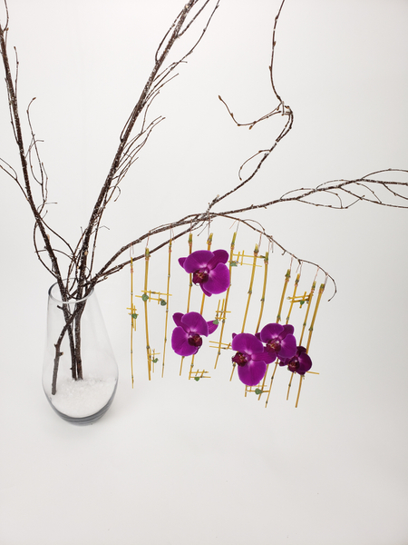 Contemporary floral art design by Christine de Beer