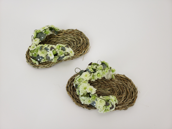 Make your own floral and grass flip flops