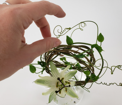 Tangle a perfect vine around two wreaths for a split armature