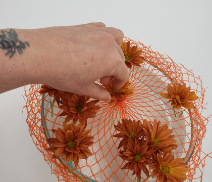 Mesh bag net armature to keep your flowers in place
