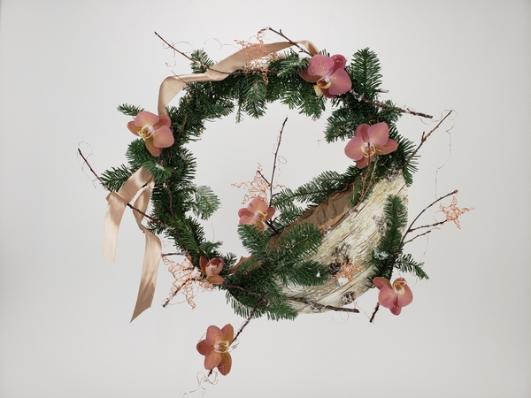 Easy wreath to make with a pouch for small gifts