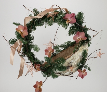 Have yourself a Merry Cellulose Fibre Christmas: Santa's gift bag wreath