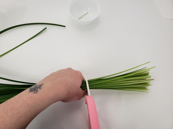 Cut a bundle of grass